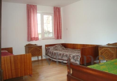 Two-bedroom house, new. It consists of a bedroom, kitchen, b